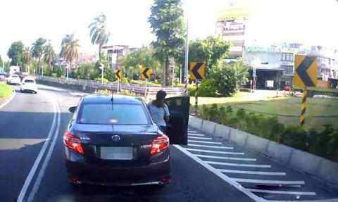上海宝山巴士驾校盘点要命的开车坏习惯