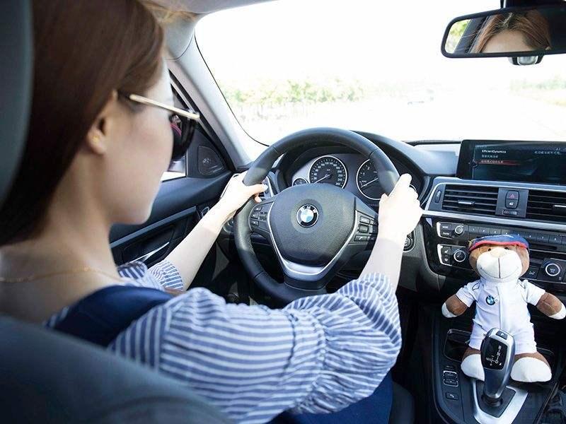 广州南方驾校分享女性开车常犯的误区