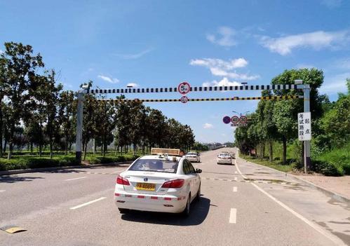 广州番安驾校详解直线行驶和靠边停车