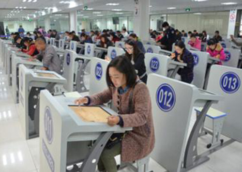 杭州学员参加科目四考试