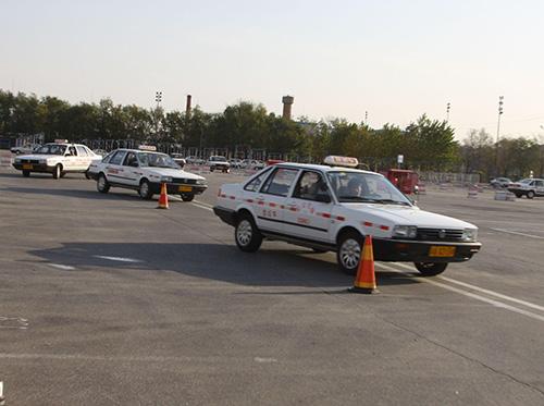北京学员和教练车