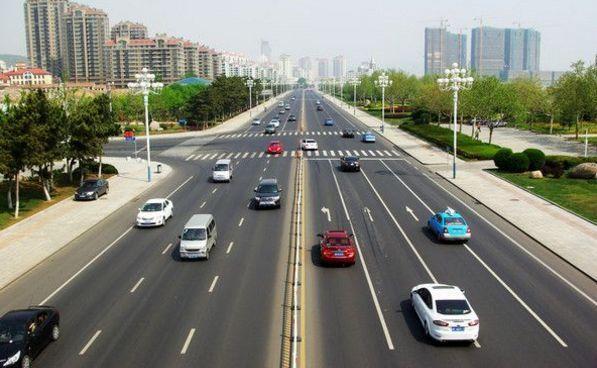 长沙老司机经验之谈:开车就走中间车道