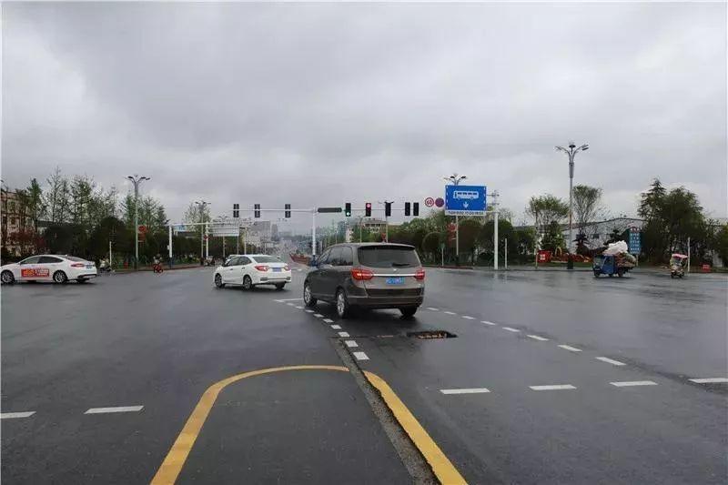 开车慢等于开车稳?杭州杭邮驾校提醒大错特错!