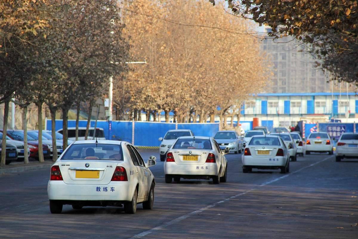 广州考驾照想要一把过,练车前后就按这四步走!